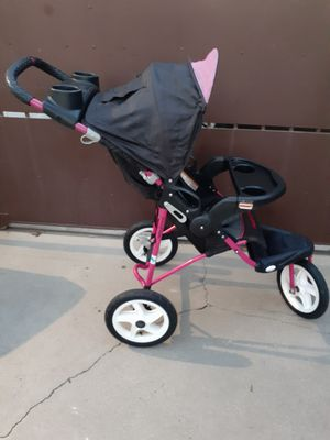 BABY TREND HELLO KITTY 3 WHEELS STROLLER for Sale in Downey, CA