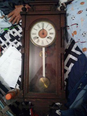 QUEEN ELIZABETH CLOCK ....ANTIQUE....make me a offer for Sale in National City, CA