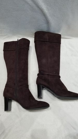 Women's Predictions Brown Suede knee high boots, size 9 for Sale in Ithaca, NY