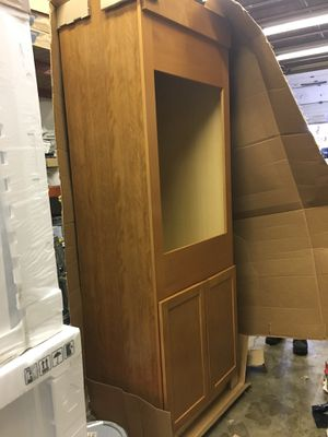 Kitchen cabinet for Sale in Kettering, MD