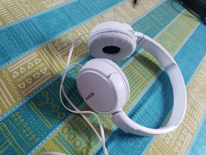 SONY WIRED HEADPHONES for Sale in New York, NY