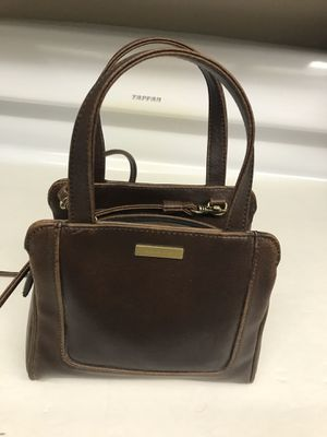 Ladies small brown leather Evan Picone shoulder strap purse for Sale in Rancho Cucamonga, CA
