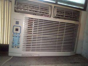Frigidaire window AC unit - 5000 btu for Sale in Houston, TX