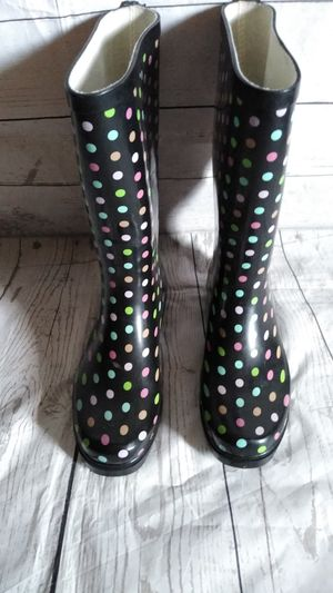 Beautiful Rain Boots , women's size 9 ( excellent condition ) for Sale in Frederick, MD