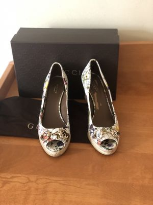 Gucci women wedge shoes size 8.5 for Sale in Brooklyn, NY