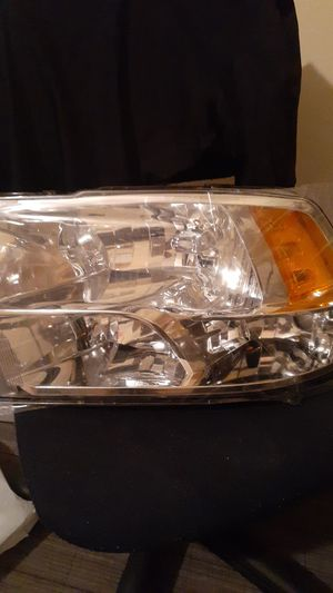 2015 dodge ram headlight for Sale in Hammond, LA