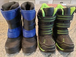 Toddler Snow Boots Size 10 and 11 for Sale in Arnold, MO