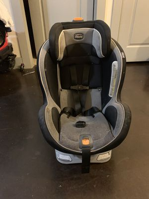Chicco car seat 9 recline positions for Sale in Dallas, TX