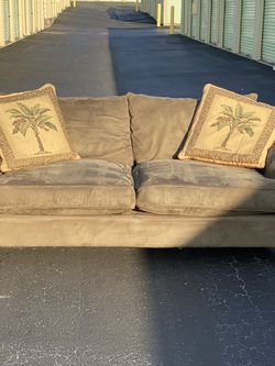 Hillcraft Microfiber Oversized Cushion Sofa/Couch. Tan w/2 Tropical Palm Pillows. $325 for Sale in Clermont,  FL
