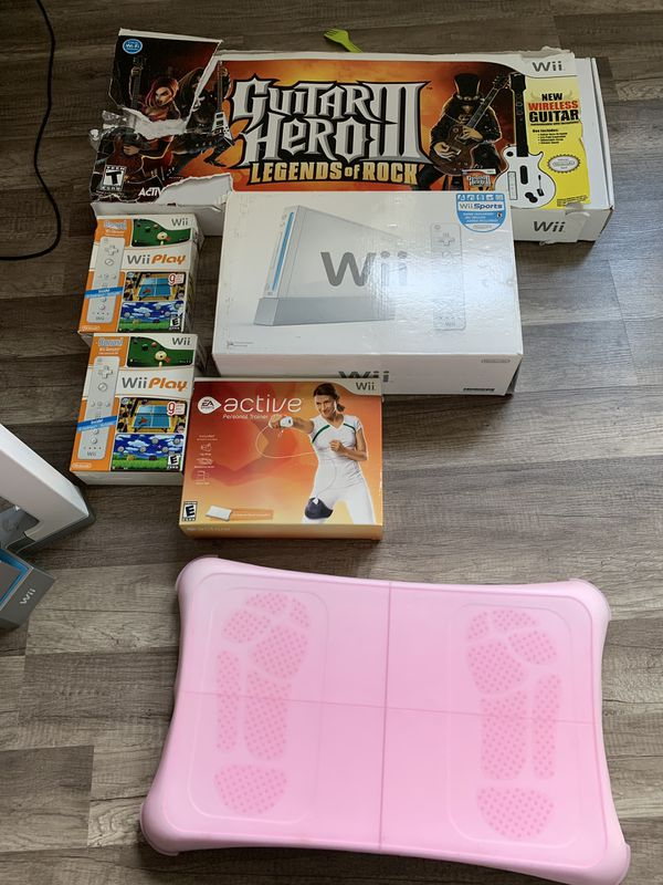 Wii system with games and extras