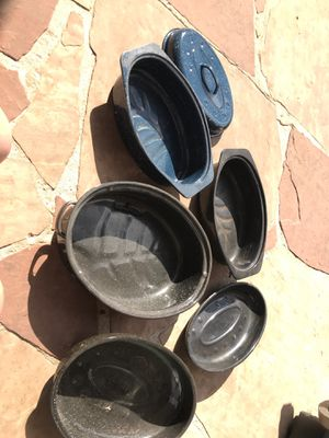 ENAMEL STEEL ROASTING BAKING PANS SET OF 3 WITH LIDS for Sale in Houston, TX