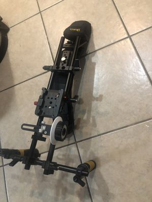 Flyweight iKan dslr stabilizer- good condition w/follow focus for Sale in Signal Hill, CA