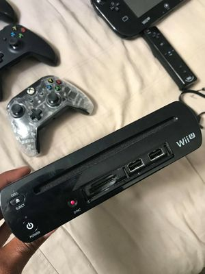 Tv, Xbox one, 4 controllers, Nintendo WII U almost new with games for Sale in Fort Lauderdale, FL