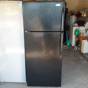 Refrigerator whirlpool ice maker 28x68. $ 240 for Sale in Phoenix, AZ