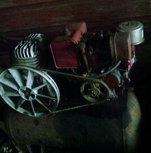 Champion brass air compressor has a valve leak for Sale in Avon Park, FL