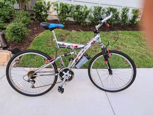 Road and mountain bike hybrid for sale 155$ for Sale in Clearwater, FL