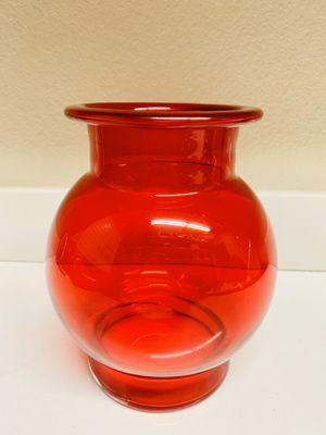 "Light Red Glass Flower Vase 7""dia.(widest) x 8 1/2""tall for Sale in Las Vegas, NV"