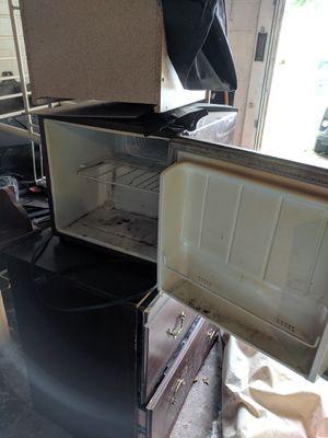 Mini fridge for Sale in New Port Richey, FL