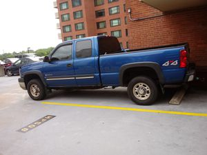 Chevy Silverado 2500 súper duty year 2003 for Sale in Falls Church, VA