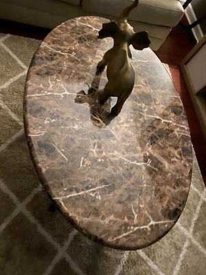 Beautiful coffee table and end tables for Sale in Philadelphia, PA