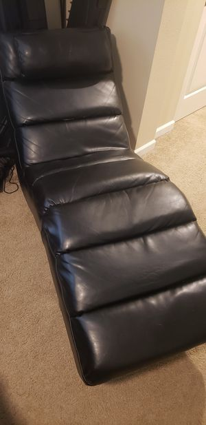Chase lounge chair for Sale in Puyallup, WA