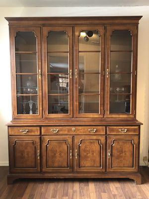 HENREDON ANTIQUE CHINA CABINET for Sale in UPPR Saint CLAIR, PA