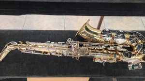 Bundy Alto Saxophone with case for Sale in Tacoma, WA