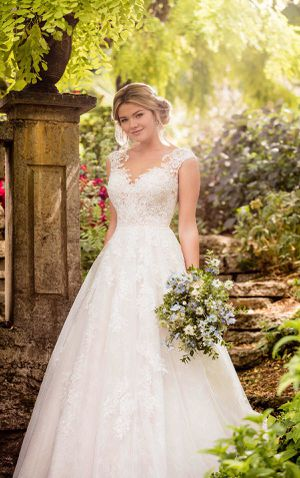 Essence of Australia D2347 wedding dress for Sale in Southwest Ranches, FL