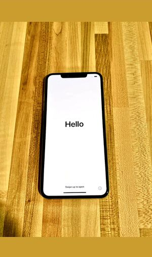 Unlocked iPhone XS 256GB Silver for Sale in Smyrna, GA