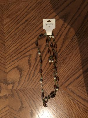Brown and Tan and Green Necklace for Sale in Kissimmee, FL