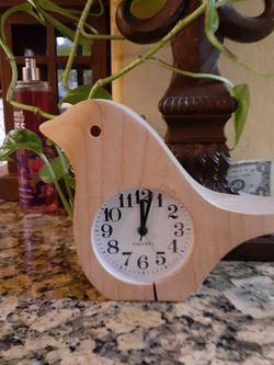 WOOD BIRD CLOCK for Sale in Bakersfield,  CA