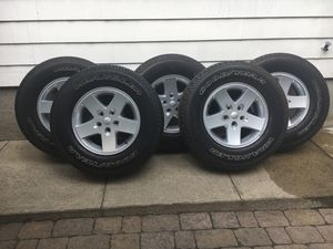 Jeep Tires and rims P255/75r17 for Sale in North Providence, RI