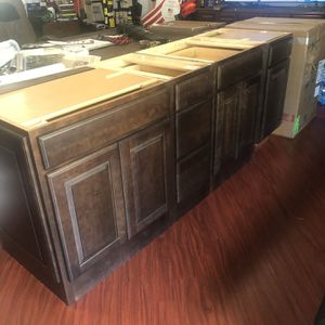 5 Solid Wood Kitchen Cabinets for Sale in Pico Rivera, CA