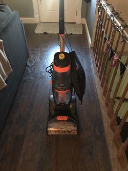 Bissell Revolution proheat 2x pet for Sale in St. Peters,  MO