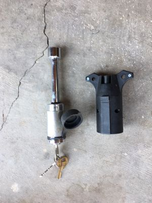 Trailer lock and hitch electric connector for Sale in Albuquerque, NM