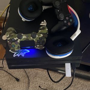1TB PS4 Pro for Sale in Phoenixville, PA