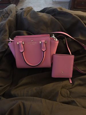 Kate spade small crossbody and matching wallet for Sale in Plainfield, IL