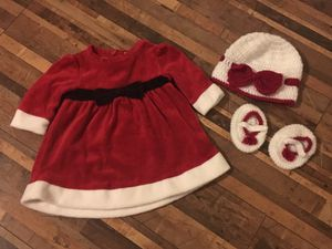Infant Christmas dress, hat & booties for Sale in Peyton, CO