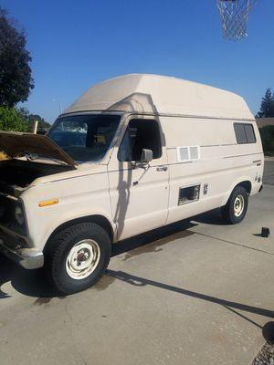 Vintage 1978 ford camper van for Sale in Visalia, CA