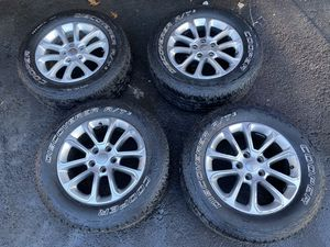 "2011-2020 wheels Jeep Grand Cherokee 18"" 265/60/R18 for Sale in Woodbridge Township, NJ"