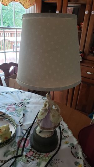 Vintage victorian lamp for Sale in Aberdeen, MD