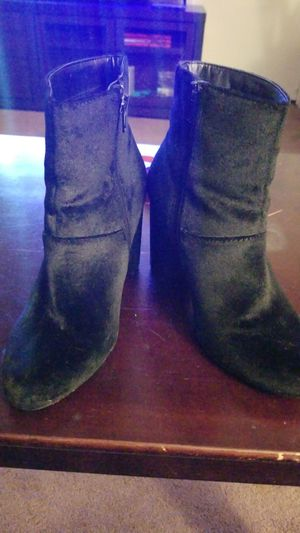 Black velvet ankle boots- womens size 5 for Sale in Highland, CA