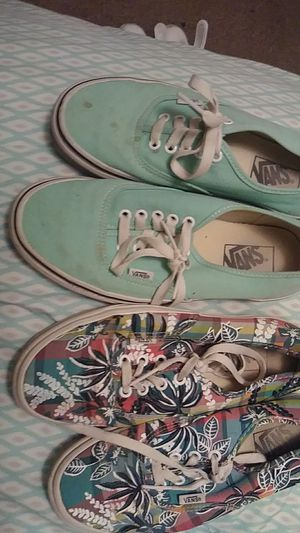 Woman's size 8 vans for Sale in Redfield, AR