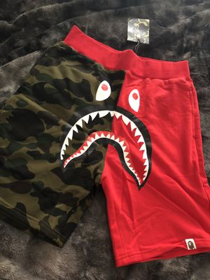 A BATHING APE RED & CAMO SHORTS XXL for Sale in Washington, DC