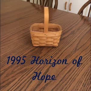 Longaberger 1995 Horizon of Hope basket for Sale in Elyria, OH