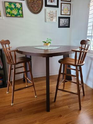 Triangle pub dining table/ breakfast nook table for Sale in Winter Park, FL
