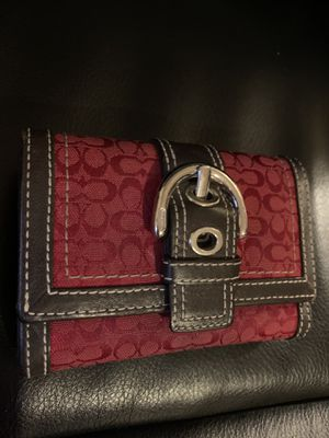 Used coach wallet red and brown for Sale in Yuma, AZ