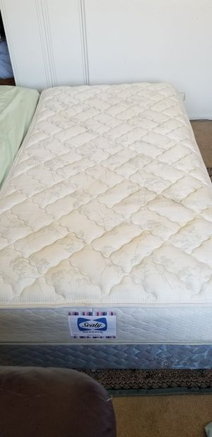 Tween mattras with box spring and metal frame $50 for Sale in Union City, CA