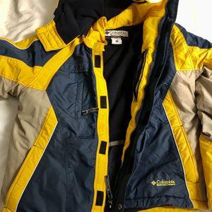Columbia Sportswear Yellow Jacket for Sale in Arlington, VA