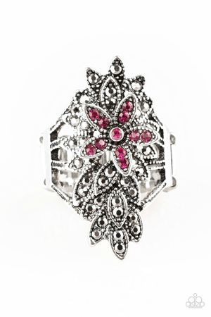 Paparazzi branded ring! for Sale in Medford, OR